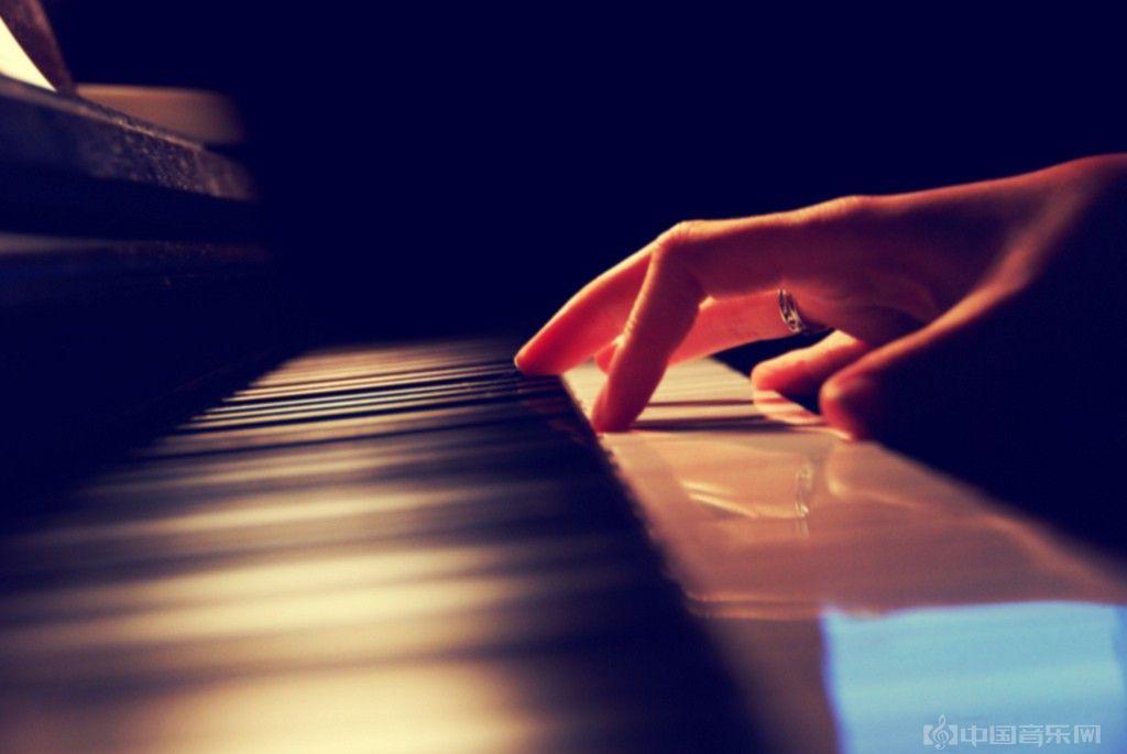 世界著名的音乐家们,每天练琴多长时间?